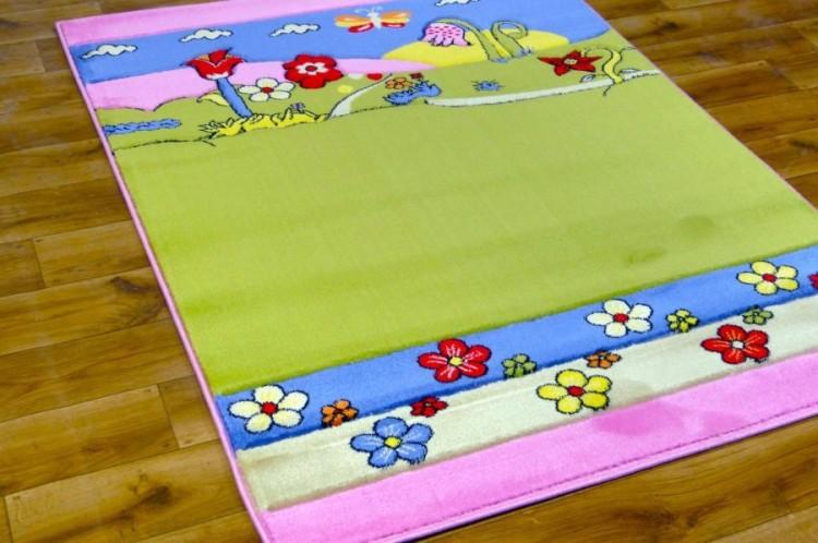Dywan dla dziewczynki. Jak stworzyć idealną przestrzeń do zabawy?