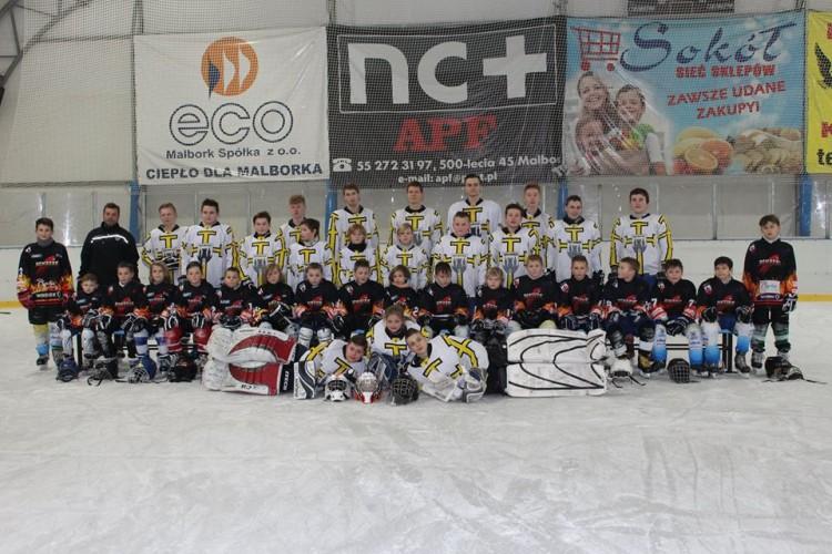 IX Turniej hokeja na lodzie w Malborku na lodowisku miejskim OSiR - 10.03.2017