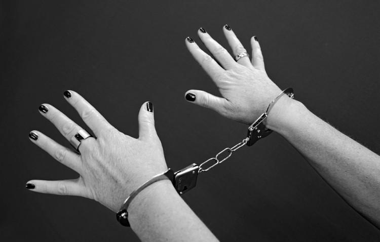 Pijana kobieta uderzyła policjantkę. Za kratami może spędzić nawet 3 lata. Weekendowy raport malborskich służb mundurowych – 08.05.2017