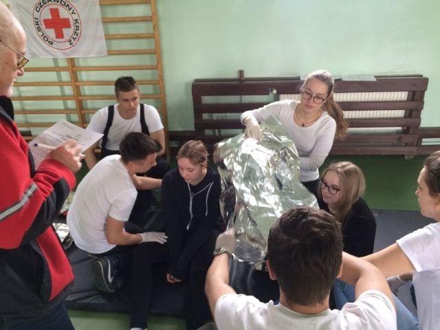 Malbork. Uczniowie z I LO wezmą udział w Finale Mistrzostw Pierwszej Pomocy PCK - 27.05.2017