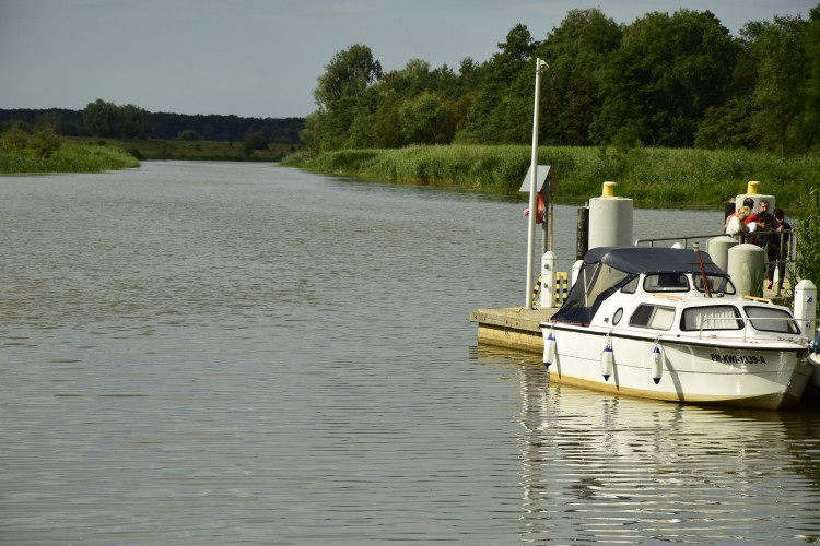 Piekło: Akcja ratunkowa na rzece. Pięć osób uwięzionych w łodzi - 24.07.2017