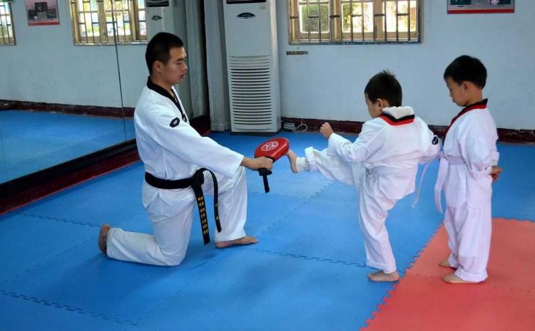 Przyszedł czas na karate, zapraszamy na zajęcia. Ruszyły już pierwsze treningi ze sztumską sekcją Malborskiego Klubu Kyokushin Karate - 04.09.2017