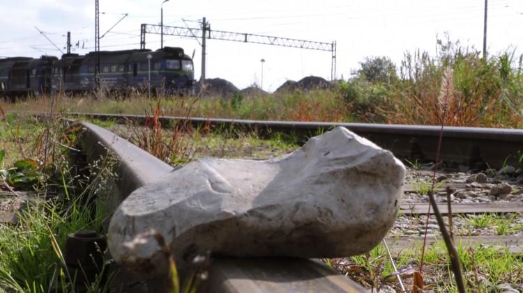 Pociąg najechał na kamienie. Zatrzymani dwaj 13- latkowie. Weekendowy raport malborskich służb mundurowych – 25.09.2017