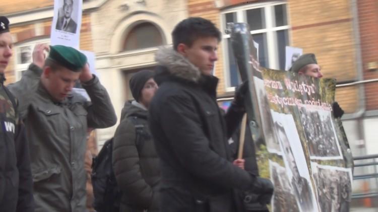 Malbork: Narodowy Dzień Pamięci Żołnierzy Wyklętych przy Skwerze Wyklętych i Rondzie im.