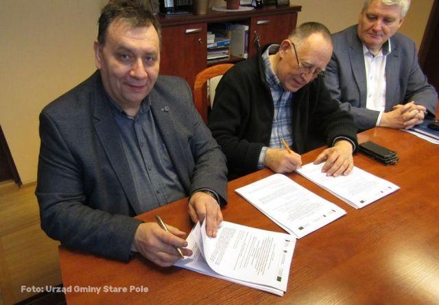 Podpisanie umowy na modernizację gminnej oczyszczani ścieków w aglomeracji Stare Pole - 09.03.2018