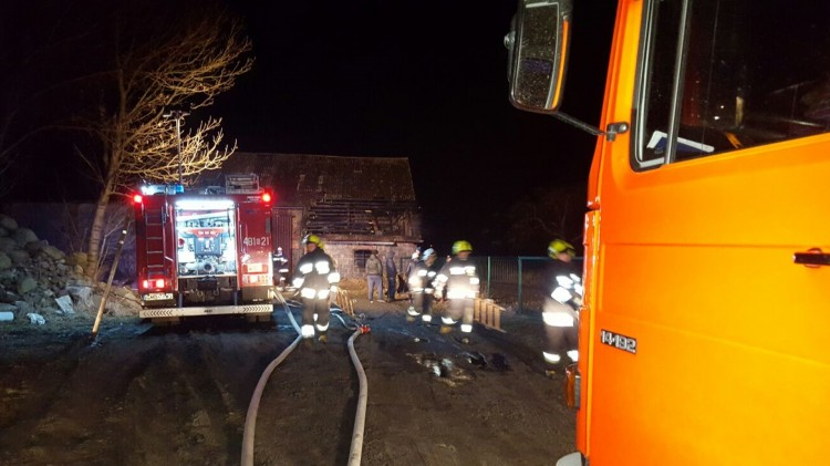 Trzy pożary w Lasowicach - policja szuka sprawców. Weekendowy raport służb mundurowych