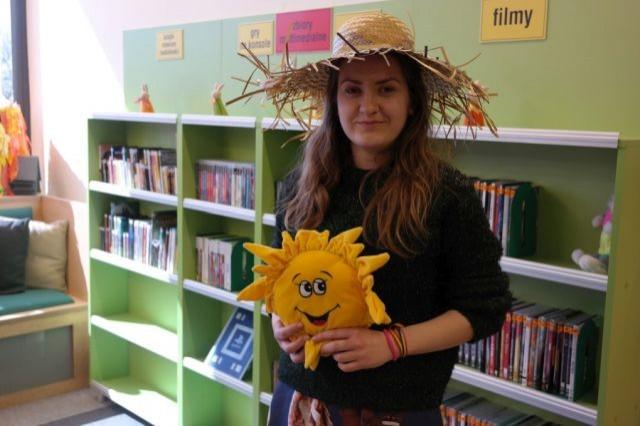 Miejska Biblioteka Publiczna w Malborku zaprasza na zajęcia Jovaną - wolontariuszką z Serbii