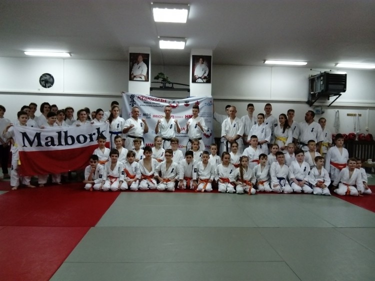 Na podbój Japonii! Wyjazd reprezentacji Malborskiego Klubu Kyokushin Karate do Japonii na 2018 International Karate Friendship & 35th All Japan Weight Categories.