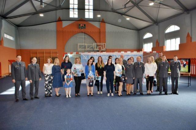 Uroczyste zakończenie II edycji programu samoobrona kobiet w 22. Bazie Lotnictwa Taktycznego w Malborku