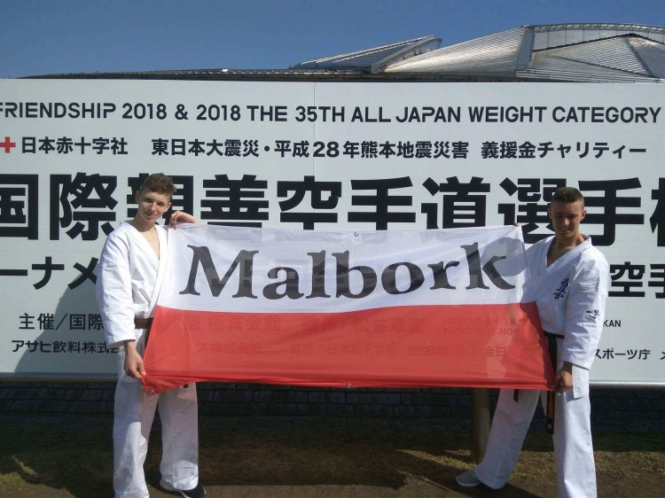 Raport z wyjazdu malborskich karateków do Japonii.