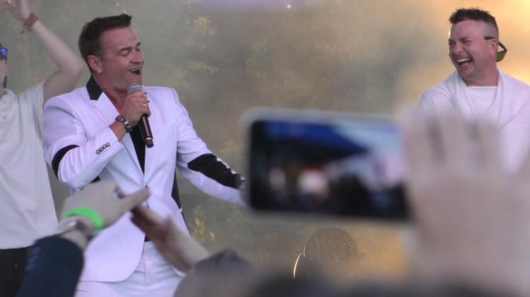 Kolejne gwiazdy Disco Polo zagrały w Nowym Stawie. Coolturalne Żuławy w oku kamery.