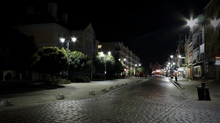 Czy nowe lampy dają radę? Wielu widzów skarży się na zbyt słabe światło. Jakie jest Wasze zdanie?