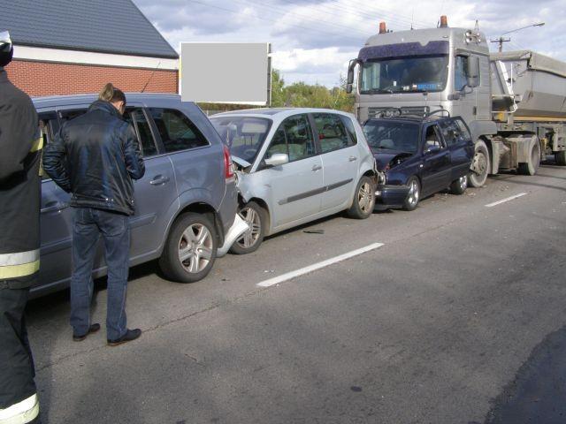 Zderzenie czterech aut w Malborku. Poszkodowani przewiezieni do szpitala.