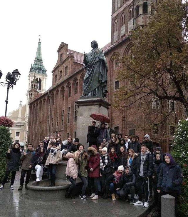 Uczniowie z II LO w Malborku na wycieczce w Toruniu