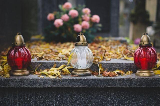 Bądź bezpieczny podczas Święta Zmarłych. Przeczytaj apel malborskiej policji.