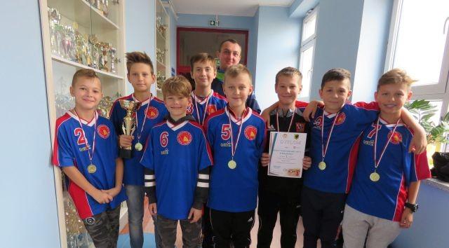 Sukces malborskiej drużyny piłkarskiej na XLVII Wojewódzkich Igrzyskach Dzieci w Halowej Piłce Nożnej Chłopców.