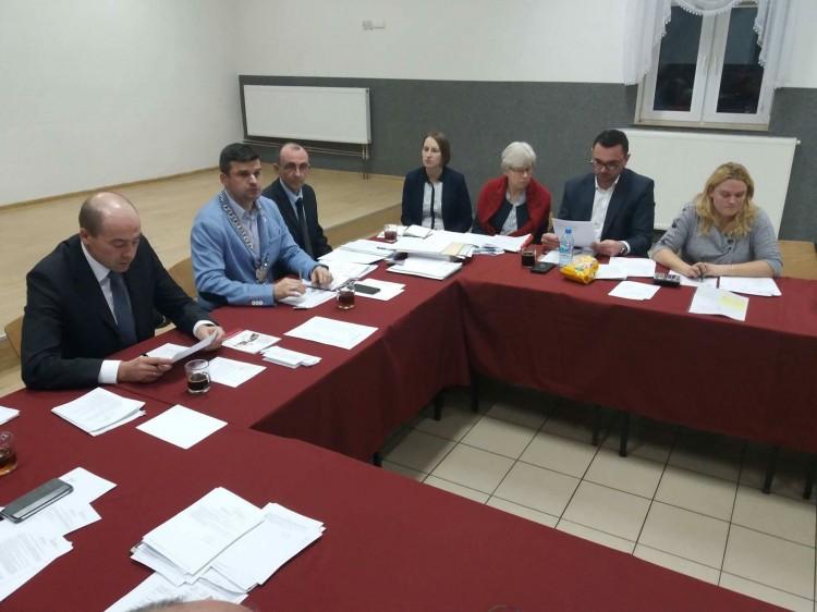 Powołano komisje i ustalono wynagrodzenie wójta. II sesja VIII Kadencji Rady Gminy Miłoradz. (Retransmisja)