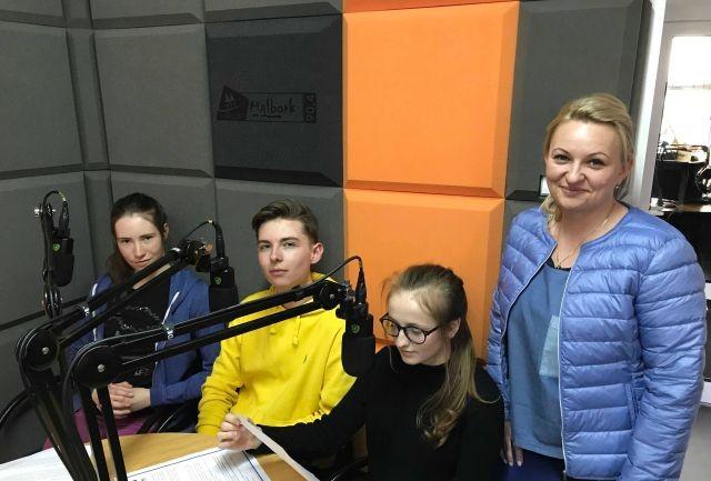 """Malbork: Słuchowisko patriotyczne pt. """"Ja jestem Polak"""". """"Zdolni z Pomorza"""" w radiu."""