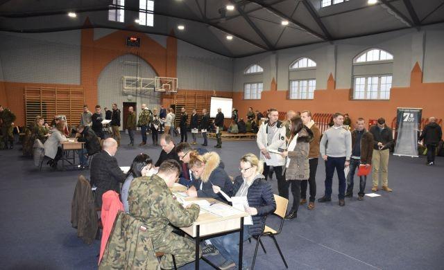 Malbork: Pierwsze wcielenie w 2019 roku żołnierzy Wojsk Obrony Terytorialnej.