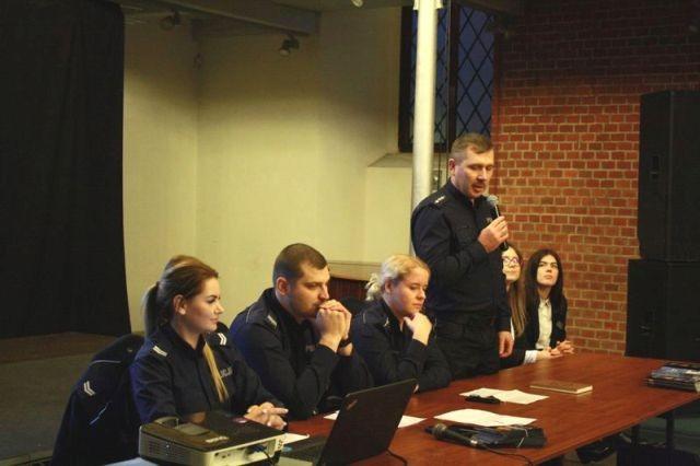"""""""Bezpieczeństwo Seniorów"""" - debata ewaluacyjna w Nowym Stawie"""