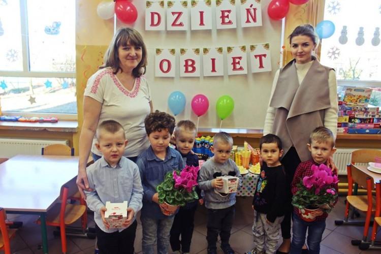 Dzień Kobiet w Przedszkolu w Miłoradzu