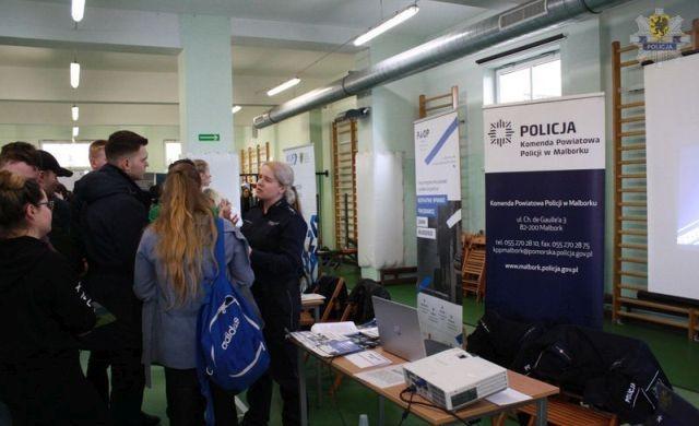 Przedstawiciele malborskiej policji wzięli udział w X Targach Edukacyjnych