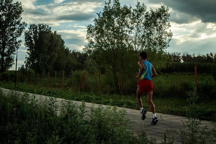 Jeziorna Osada: Wielkanocny Bieg oraz Marsz Nordic Walking o Puchar Marszałka Województwa Pomorskiego