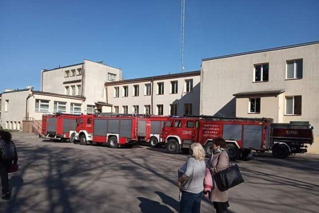 Dzierzgoń: Gaz pieprzowy w Szkole Podstawowej. Ewakuacja 257 osób.