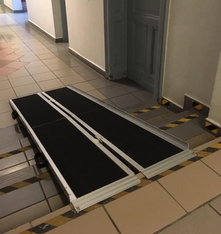 Rampa dla osób z niepełnosprawnością w Starostwie Powiatowym w Malborku