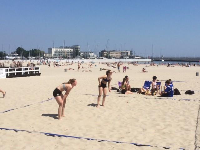 Reprezentantki II LO w Malborku wzięły udział w finałach wojewódzkich w plażowej piłce siatkowej