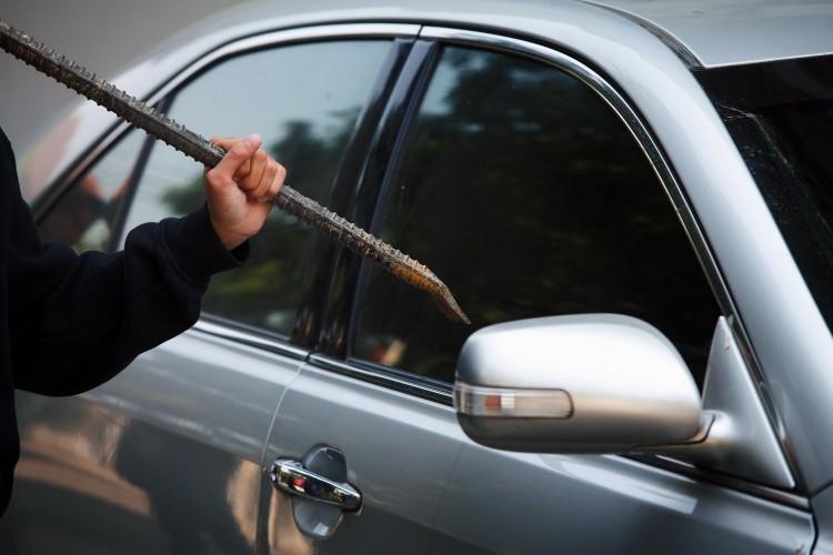 Wandale z Gdańska uszkodzili siedem samochodów. Pomyśl, że jeden z nich należał do Ciebie. Z jakiego tytułu otrzymasz odszkodowanie?
