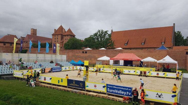 World Tour Malbork wystartował! Za nami pierwszy dzień Pucharu Świata w siatkówce plażowej