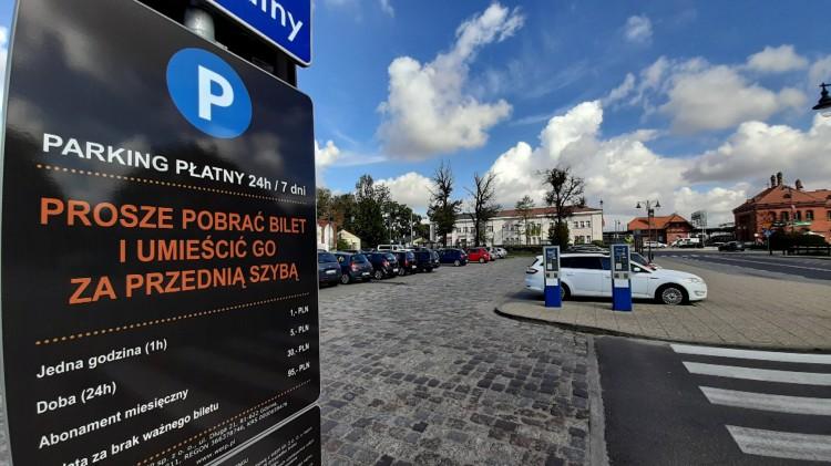 Na tych parkingach płacimy przez 24h/7 dni w tygodniu. 95 złotych kary za brak biletu.
