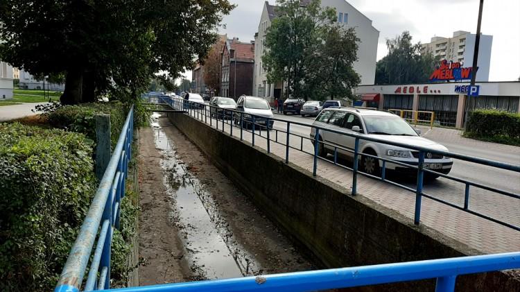 Zakryć kanał Juranda i zrobić miejsca parkingowe. Czy to dobry pomysł?