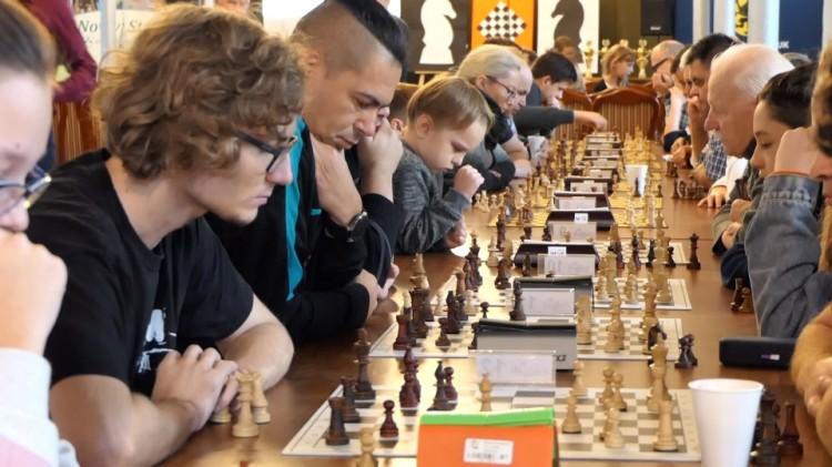 """""""Trzeba myśleć"""" - szachowy Memoriał Grzegorza Albina w Nowym Stawie."""