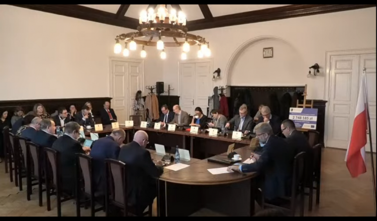 XI sesja Rady Powiatu Malborskiego. Zobacz na żywo