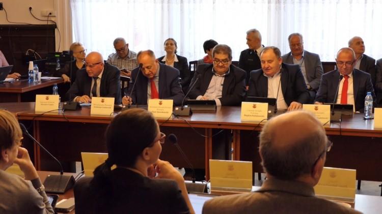 Szybko, krótko i na temat. Skrót z XI sesji Rady Powiatu Malborskiego.