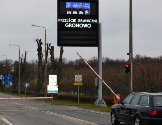 Wstrzymana odprawa na przejściu granicznym w Gronowie