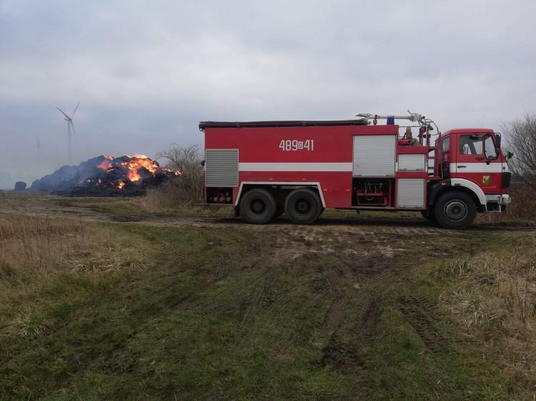 Strażacy opanowali pożar w Dębinie.