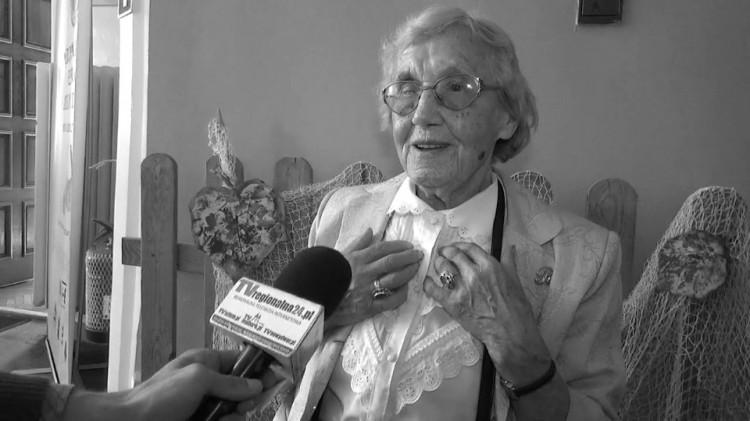 """Odeszła ostatnia członkini Związku Polaków """"Młody Las"""". Regina Krzos zmarła w Malborku w wieku 91 lat."""