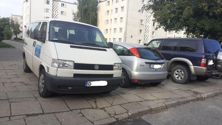 Mistrz (nie tylko) parkowania na Starym Mieście w Malborku.