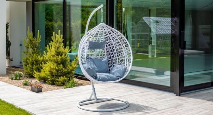 Modny fotel ogrodowy. Te modele rządzą w 2020 roku