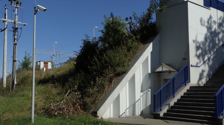 Przyjazna kolej – historia nieczynnej windy w Kałdowie.