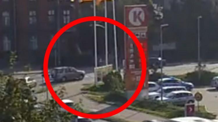 Kto zawinił? Kolizja na skrzyżowaniu Rodła i Mickiewicza w Malborku.