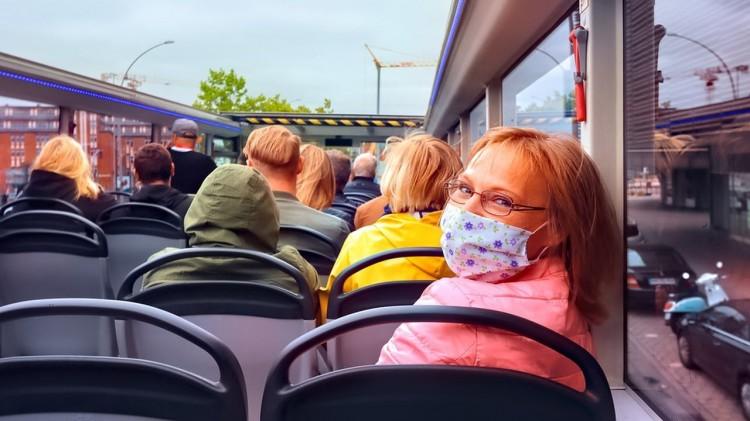 """Policyjne działania """"Truck & Bus"""" na drogach powiatu malborskiego."""