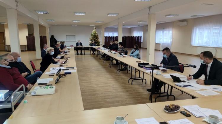 Nowy Staw. Budżet gminy przyjęty jednogłośnie. XXXI sesja Rady Miejskiej - 15.12.2020
