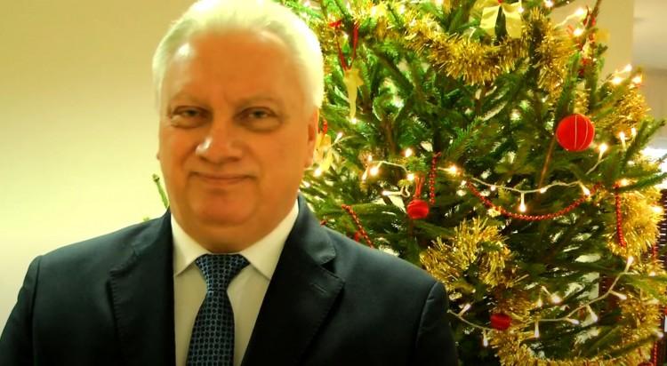 Burmistrz Miasta i Gminy Nowy Staw składa życzenia świąteczno-noworoczne.