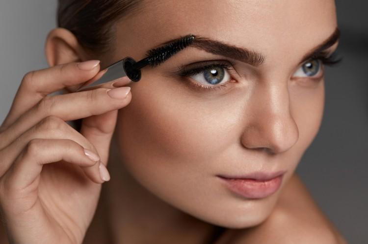 Makijaż pod maseczkę – o czym należy pamiętać?