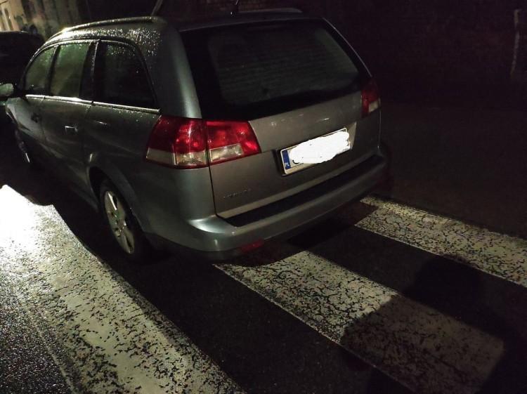 Mistrz (nie tylko) parkowania na rogu Krakowskiej i Reymonta w Malborku.