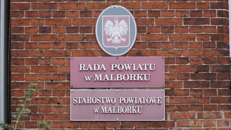 Nadzwyczajna sesja Rady Powiatu Malborskiego. {wideo)